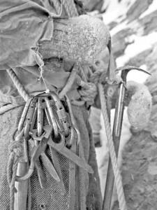 Eiger Retro: az északi fal megmászása 1930as évek beli felszerelésekkel, ruházattal