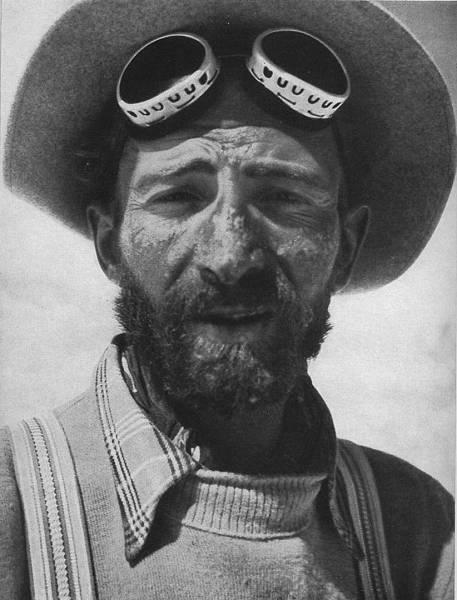 A 29 éves Hermann Buhl a Nanga Parbat megmászása után